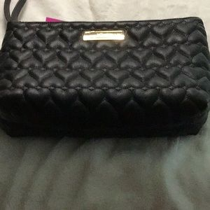 Betsey Johnson Makeup Case Wristlet      NWT